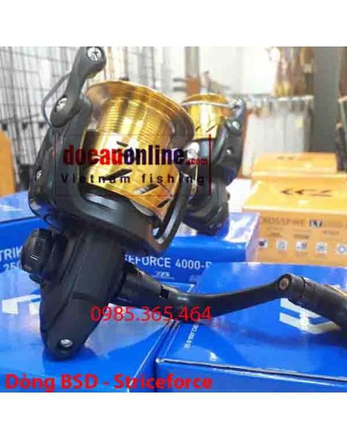 Máy câu cá Daiwa SF4000-B SD Strikeforce mới